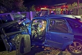 Un copil de 1 an a murit după ce două mașini conduse de doi tineri s-au ciocnit, în Ialomița
