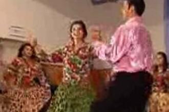 Zeci de pirande au participat la festivalul de dansuri din Mureş
