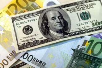 BT: Salariile bancherilor, afectate de criza financiară