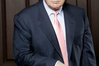 Culmea dreptului! Donald Trump îşi dă în judecată avocaţii