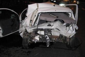 Bebeluş mort, după ce a zburat pe geamul maşinii conduse de tatăl său