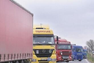 Asfaltare cu viteza melcului pe Autostrada Transilvania!