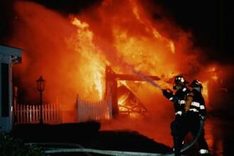 Incendiu la mai multe gospodarii din centrul Oradei