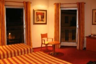 Fara hoteluri de patru si cinci stele, litoralul romanesc nu are viitor!