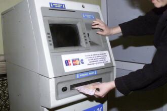 Doi tineri din judetul Satu Mare sunt retinuti pentru 24 de ore dupa ce au furat bani din bancomate