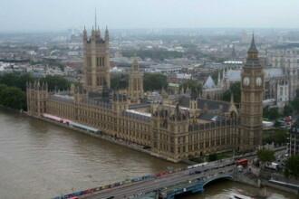 Criza financiara ii baga pe englezi in boala... mintala