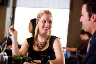 Doar 3 romani din 10 mai iau masa la restaurant. Si totusi, a crescut numarul localurilor