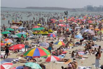 Primul week-end de toamna la mare: de la topless la hanorac, in doar o zi!