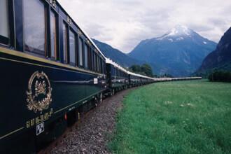 6000 de euro pretul unui bilet la Orient Express! Trenul a ajuns in Romania