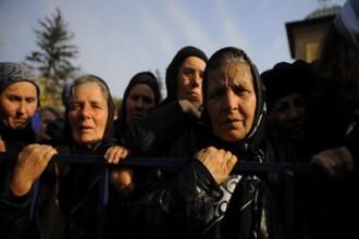 Peste 5.000 de credinciosi sunt asteptati la slujba organizata cu ocazia hramului Manastirii Prislop