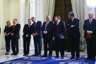 Revista presei: Guvernul cumpara pacea sociala cu un miliard de euro