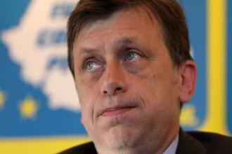 Crin Antonescu: Nu este adevarat ca PNL negociaza cu PDL