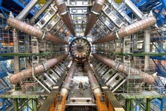 Controversa descoperirii care schimba fizica. Ce spune Stephen Hawking despre rezultatele de la CERN