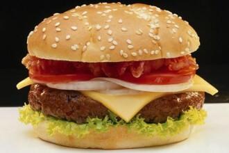 Fiu de premier prajeste burgeri la fast-food, pentru banii de buzunar