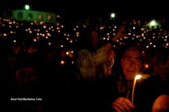 60.000 de pelerini la Manastirea Nicula. S-au rugat intreaga noapte la icoana facatoare de minuni