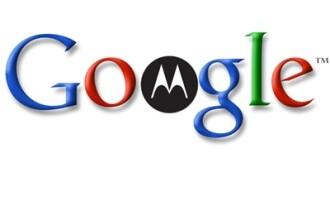 Google a cumparat Motorola. Dumnezeul internetului zambeste