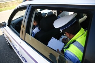 Tanar si nervos, un sofer din Deva a dat cu masina peste un politist local