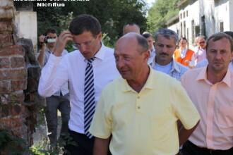 Flashmob la Cotroceni, impotriva proiectului Rosia Montana. Basescu tot nu renunta