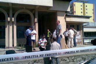 Un barbat a fost gasit mort intr-o cladire abandonata din Deva. Prima ipoteza: crima