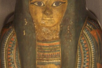 Secretele mumiilor egiptene. Mistere pastrate 3.000 de ani, descifrate cu ajutorul tomografului