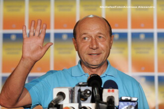 Basescu: E ilegala scoaterea din lista permanenta a romanilor cu rezidenta in afara sau CI expirate