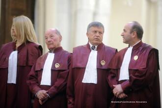 CC a declarat neconstitutionale modificarile aduse Statutului parlamentarilor