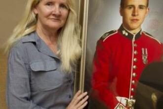 Descoperire de cosmar facuta de o mama in sicriul fiului ei mort in Afganistan.