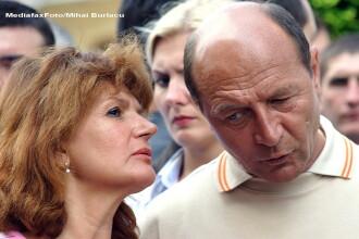 Traian Basescu a ajuns cu un elicopter in statiunea Covasna. Presedintele petrece acolo Revelionul