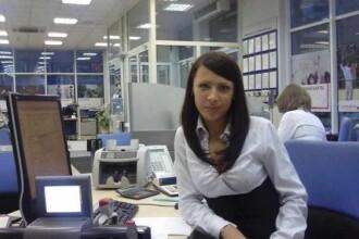 Angajata unei banci a SOCAT TARA. Ce urmeaza acestei poze este REVOLTATOR