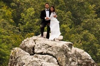 Imaginea care a devenit viral pe internet. Unde a ales sa se casatoreasca un cuplu. FOTO