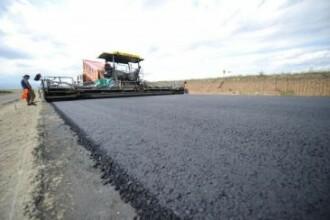 Austriecii care lucreaza la autostrada Deva-Orastie s-au dat pe brazda.Vor repara drumurile distruse