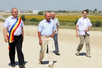 "Basescu a facut constatari din elicopter pe autostrada Nadlac-Arad: ""Nu se intampla nimic"""