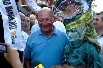 Basescu, in vizita la Mamaia:
