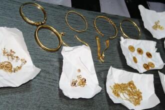 Bijuterii de aur in valoare de peste 1.000.000 de lei, confiscate de politistii clujeni