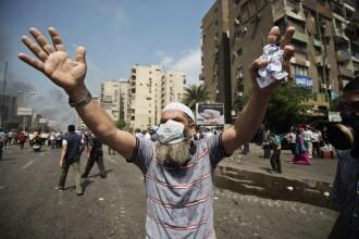 MAE catre turistii romani: Reprogramati sejururile in Egipt; operatorii sa nu riste viata oamenilor