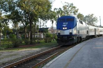 Ce a patit un tanar, dupa ce a fost lovit de un tren care mergea cu 170 km/h.