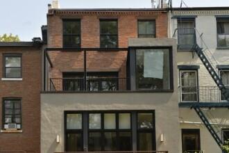 Vecinii au ramas fara cuvinte cand au vazut ce a aparut in balconul unei case: