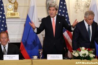 John Kerry a luat masa in 2009 cu Bashar al-Assad, pe care-l compara acum cu Adolf Hitler