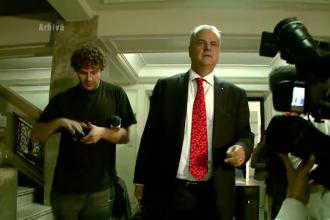 Adrian Nastase ar putea fi exclus din Baroul Capitalei. Soarta sa va fi decisa luni