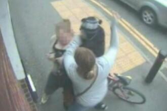 A luat bataie de la doua fete. Hotul care a iesit sifonat dupa o tentiva esuata de furt. VIDEO