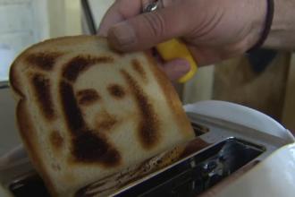 Noua moda in Statele Unite. Cat costa aparatul de prajit paine ce imprima pe felie un selfie