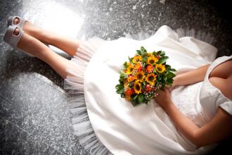 O femeie a fost arestata imediat dupa ce a pus pe Facebook poze de la nunta ei. Ce secret au dezvaluit acestea