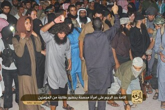 O femeie din Siria a fost ucisa cu pietre intr-o piata, dupa ce a fost acuzata de adulter. Ucigasii sunt extremisti islamisti