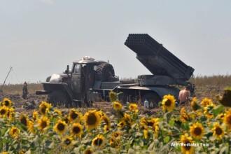 Criza in Ucraina: Kievul acuza Rusia ca a introdus trei lansatoare de tip Grad in tara. Doi romani lupta pentru insurgenti