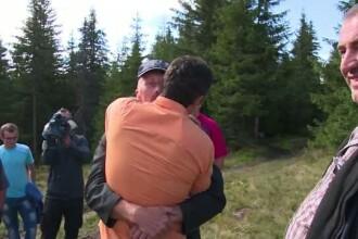 Momente emotionante in Apuseni. Supravietuitorii accidentului aviatic s-au intalnit cu satenii care le-au salvat viata