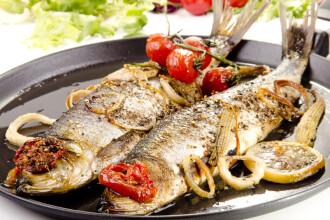 Nutritionistii ne sfatuiesc sa inlocuim friptura cu pestele. Atentie insa: sunt 10 reguli foarte importante de preparare