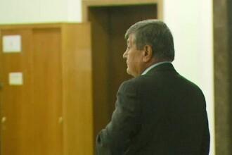 Judecatorul Stan Mustata incearca sa scape de condamnarea primita in prima instanta. De ce are acum o mana bandajata