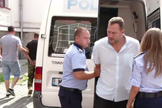 Un medic din Brasov, prins in flagrant in timp ce lua mita. Ce sume le cerea pacientilor pentru ca totul