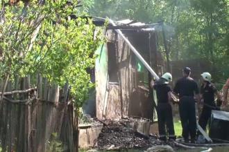 O femeie de 55 de ani a murit, dupa ce si-a dat foc in propria casa. Aceasta nu mai suporta bataile crunte ale partenerului