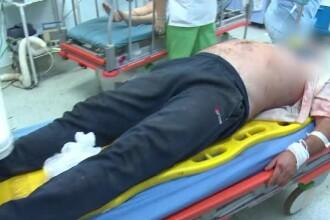 Un barbat a fost ranit grav, dupa ce caruta in care se afla a fost zdrobita de o duba. Soferul, acuzat ca nu a ajutat victima